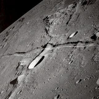 انكار معجزه شق القمر